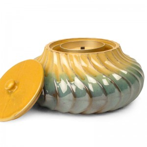 Windswept Ceramic Candle / Passion Jade